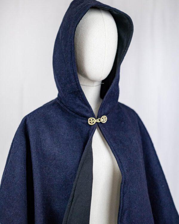 Lange Gugel / Cape mit runder Kapuze aus Baumwollfilz Modell Minna