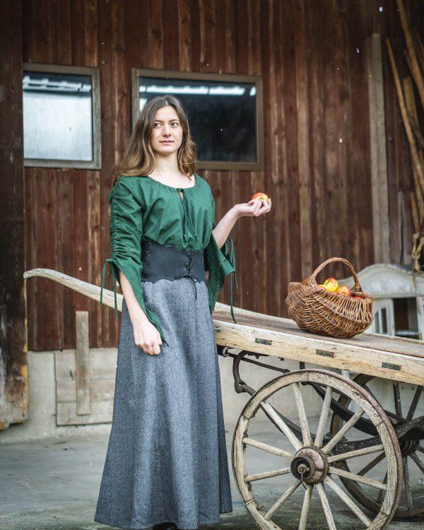 Schnürrock aus Schurwolle Modell Annette