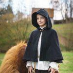 Cape / kurzer Umhang für Kinder Modell Robin