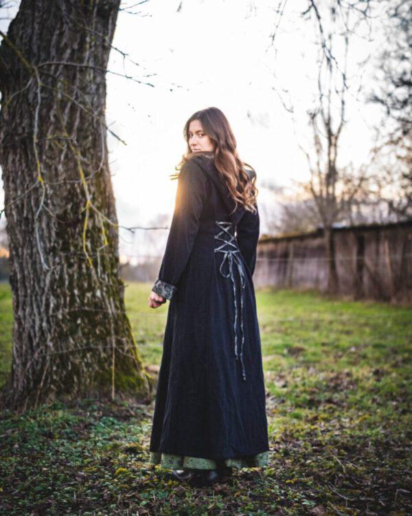 Langer Mantel aus Schurwolle Modell Emilia