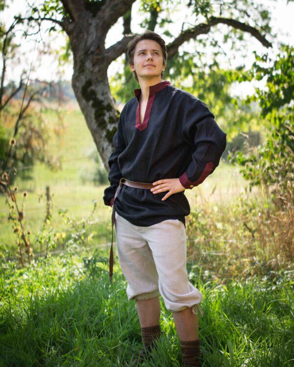Leinenhemd mit V-Auschnitt Modell Hubert