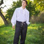 Trachtenhemd mit spitzem Kragen und Riegeln Modell Albrecht
