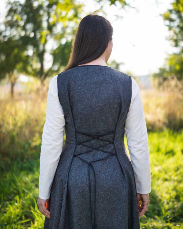 Ärmelloses Wollkleid Modell Laura
