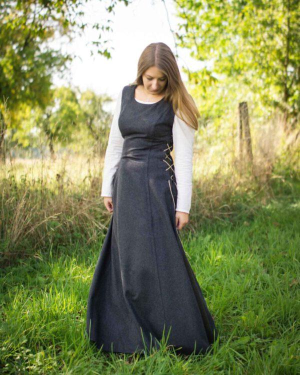 Ärmelloses Wollkleid Modell Friederike